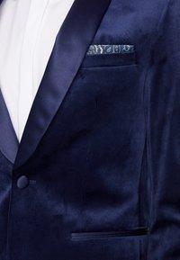 Burton Menswear London - TOP SHAWL LAPEL - Chaqueta de traje - navy - 4