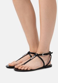 PARFOIS - T-bar sandals - black - 0