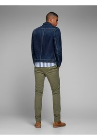 Jack & Jones - Chino - olive night - 2