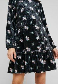 Monki - FIA DRESS - Jerseykjole - black - 6