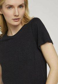 TOM TAILOR - Basic T-shirt - deep black - 3