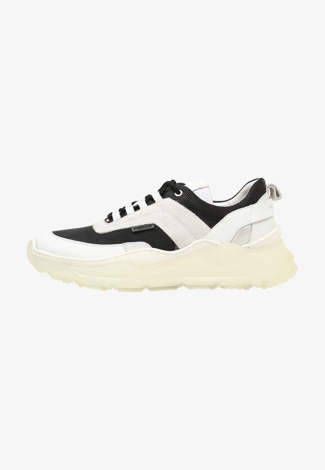 Sneakers - multi-colour  white black