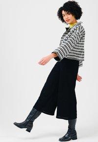 Solai - Summer jacket - black & white - 3