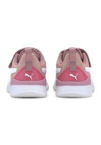 Puma - PUMA ANZARUN LITE METALLIC AC - Trainers - foxglove-white-glowing pink - 3