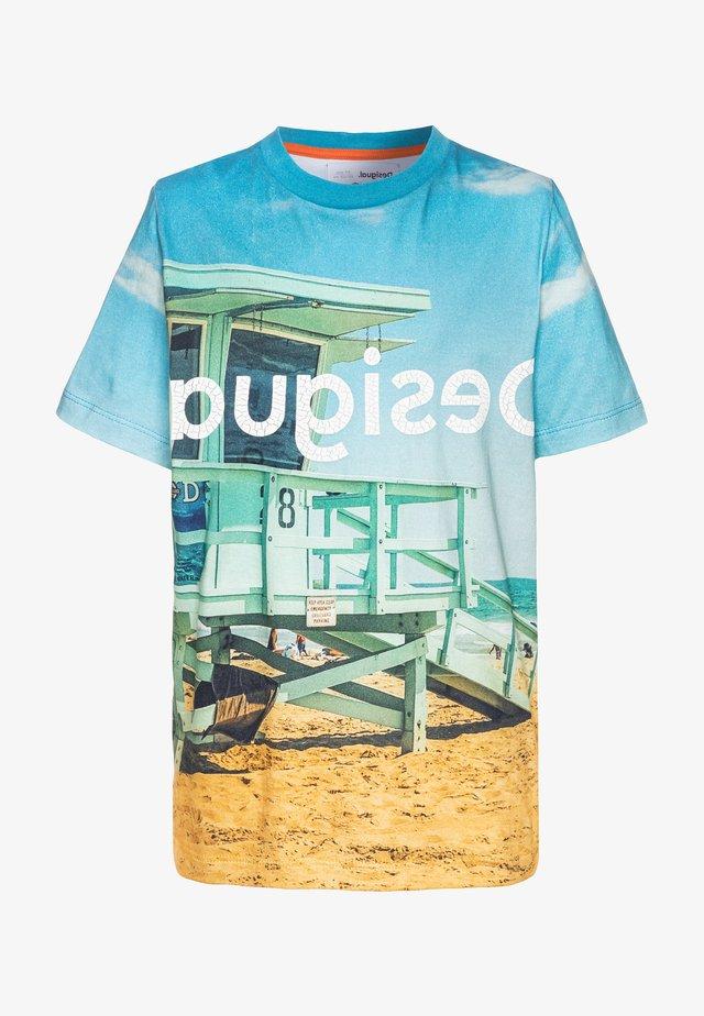 T-shirt z nadrukiem - shark