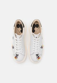 MOA - Master of Arts - DOUBLE GALLERY - Sneakers - white - 4