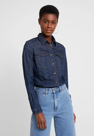 SLIGHTLY FITTED CHEST - Button-down blouse - drapy authentic denim