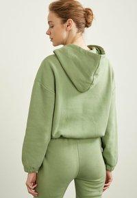 DeFacto - Hoodie - green - 1