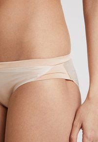 Triumph - BODY MAKE UP SOFT TOUCH TAI - Shapewear - neutral beige - 4