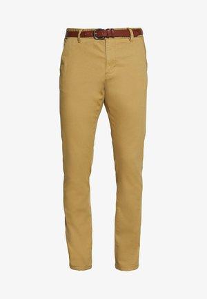 GOVER - Chino kalhoty - amber