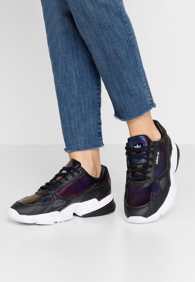 adidas Originals - Sneakersy niskie - core black/footwear white/mystery ruby