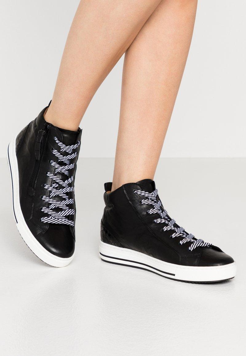 Gabor Comfort - Sneakersy wysokie - schwarz