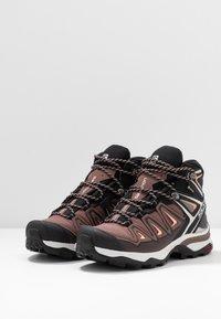 Salomon - X ULTRA 3 MID GTX  - Hiking shoes - peppercorn/black/coral almond - 2