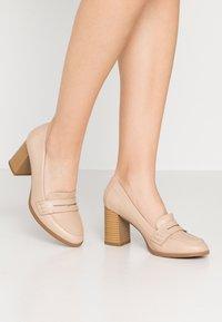 Wallis - CHARDONNAY - Classic heels - beige - 0