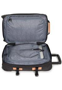 Eastpak - TRANVERZ S SUPERGRADE  - Wheeled suitcase - black - 3