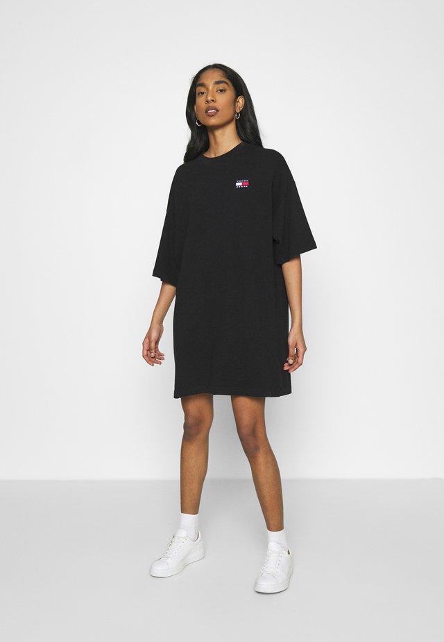 OVERSIZED BADGE TEE DRESS - Korte jurk - black