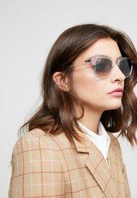 Ray-Ban - Sonnenbrille - transparent/grey - 3