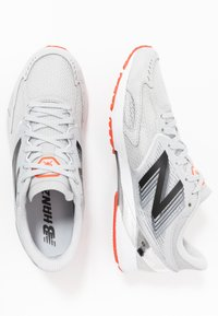 New Balance - HANZO R V3 - Competition running shoes - light aluminum - 1