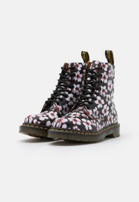 Dr. Martens - 1460 PASCAL - Lace-up ankle boots - black/red pansy fayre vintage smooth - 2