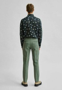 Selected Homme - Trousers - dark green - 2