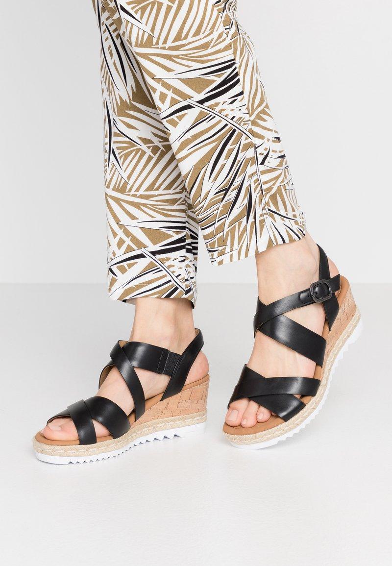 Gabor Comfort - Platform sandals - schwarz