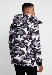 Alessandro Zavetti - OSHAWA PADDED - Winter jacket - khaki - 3