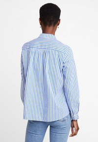 Marc O'Polo - BLOUSE KENT COLLAR LONG SLEEVED - Button-down blouse - combo - 2