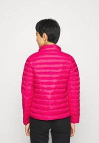 Tommy Hilfiger - ESSENTIAL - Doudoune - ruby jewel - 3
