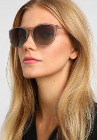 Pilgrim - SUNGLASSES VANILLE - Sunglasses - grey - 1
