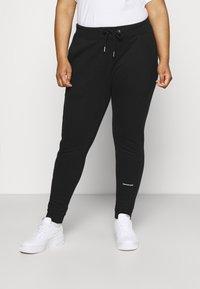 Calvin Klein Jeans Plus - PLUS MICRO BRANDING PANT - Tracksuit bottoms - black - 0
