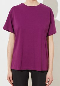 Trendyol - Print T-shirt - purple - 2