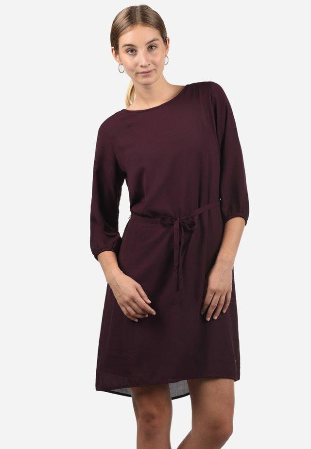 BEATE - Day dress - dark red