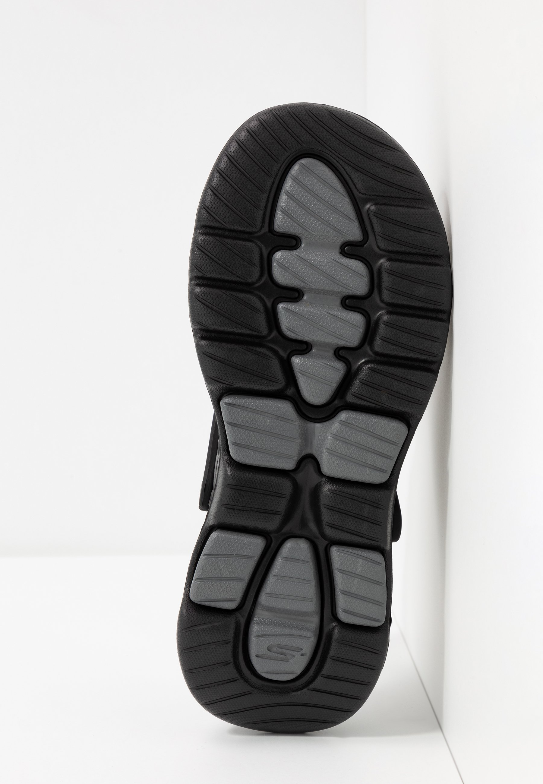 Recomendar Barato Calzado de hombre Skechers Performance GO WALK 5 Chanclas de baño black/charcoal arsljC