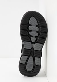 Skechers Performance - GO WALK 5 - Pool slides - black/charcoal - 4