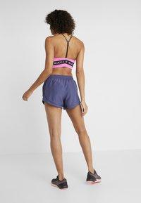 Nike Performance - TEMPO SHORT AIR - Sports shorts - sanded purple/white - 2
