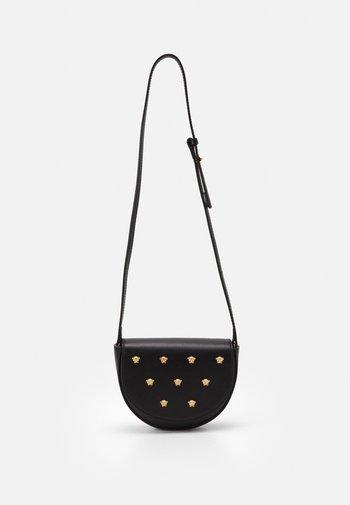 BAG - Across body bag - black/gold