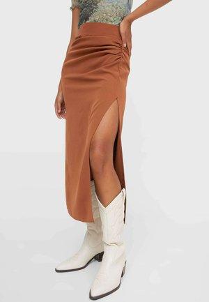 MIT RAFFUNG UND GLITZERPAILLETTEN - Áčková sukně - brown