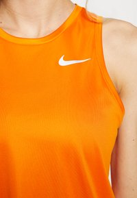 Nike Performance - MILER TANK - Camiseta de deporte - magma orange/reflective silver - 4