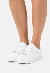 Calvin Klein Jeans - CUPSOLE LACEUP  - Sneakers laag - bright white - 0