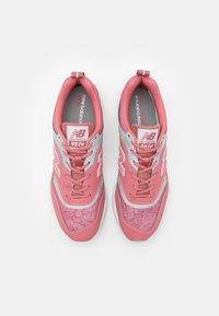 New Balance - 997 - Zapatillas - pink - 3