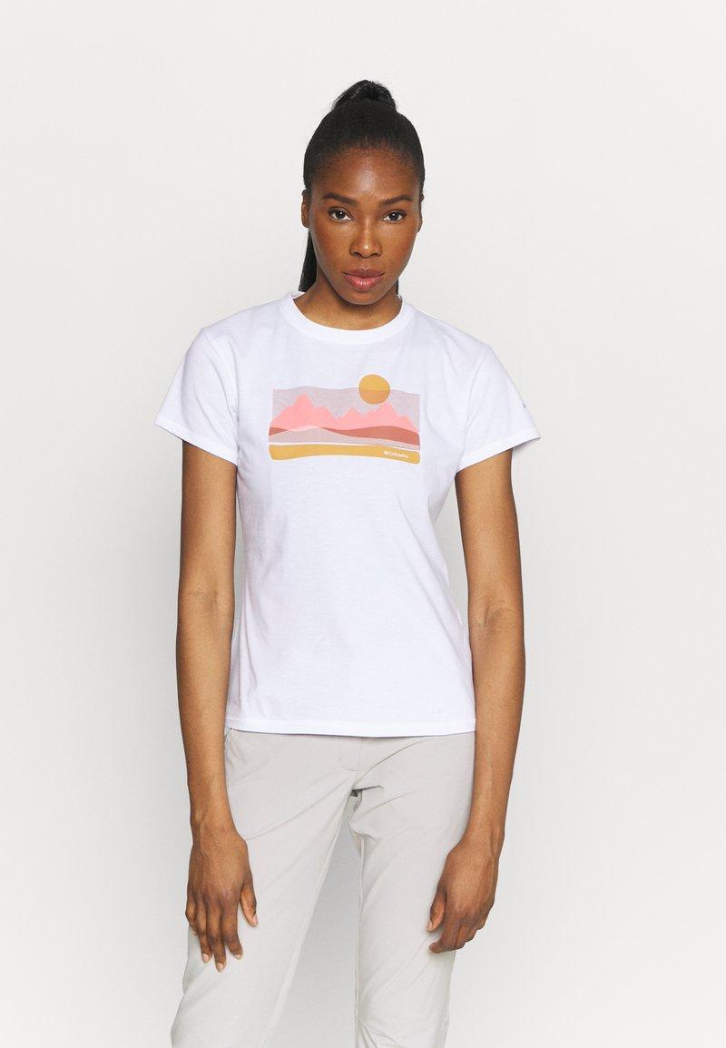 Columbia - SUN TREK™ GRAPHIC TEE - Print T-shirt - white