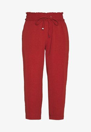 PCAYLEEN CULOTTE PETITE - Trousers - chili oil