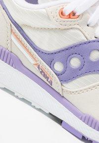 Saucony - AZURA - Trainers - white/lilac - 2