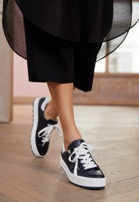 Gabor Comfort - Sneakers laag - midnight/weiß - 5