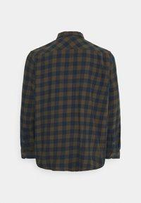 Cars Jeans - LUMBER PLUS - Skjorta - khaki - 1