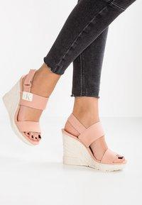 Calvin Klein Jeans - LACEY - Sandały na obcasie - dusk - 0
