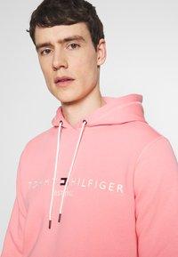Tommy Hilfiger - LOGO HOODY - Sweat à capuche - pink - 3