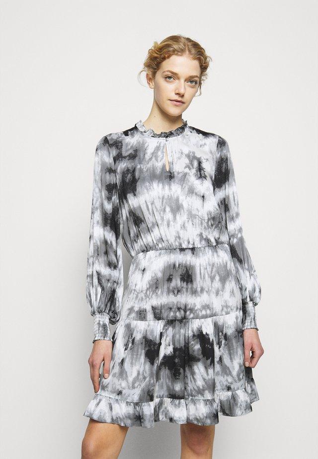 MALEA DRESS - Denní šaty - grey