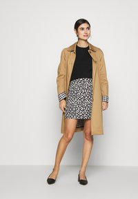 Dorothy Perkins - MONO ANIMAL TEXTURED SKIRT - A-line skirt - black - 1