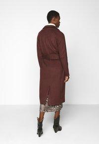 Object Tall - OBJLENA COAT - Classic coat - chicory coffee - 2